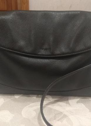 Кожаная брендовая сумка через плече