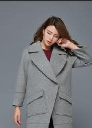 Брендовое серое пальто с карманами classic акрил оверсайз этикетка