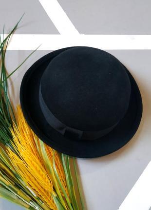 Базовая фетровая шляпа с маленькими полями