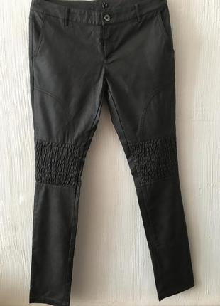 Узкие брюки из экокожи zuiki италия р. 44/46 (наш)