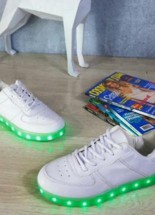 Светящиеся кроссовки. кроссовки с подсветкой. кроссовки с led подсветкой