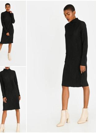 Оригинальное черное прямое платье плиссе с длинным рукавом