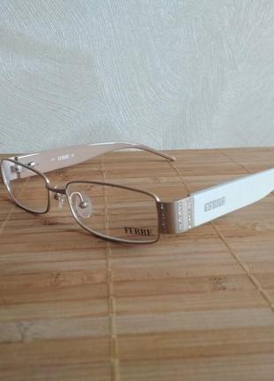 Узкая фирменная оправа под линзы с камнями swarovski оригинал g.ferre gf318 04 очки