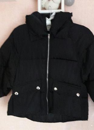 Курточка с широкими рукавами