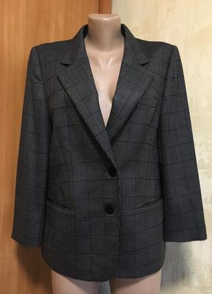 Изумительный шерстяной+шёлк жакет,пиджак в клетку