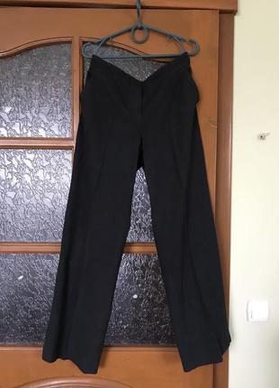Отличные классические тонкие  брюки