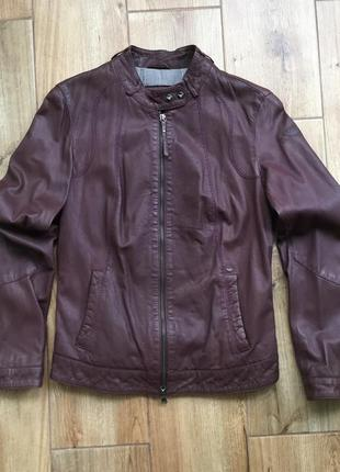 Стильная кожаная куртка  armani jeans
