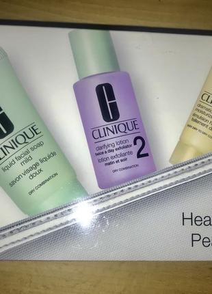 Clinique подарочный набор по уходу и очищению кожи лица