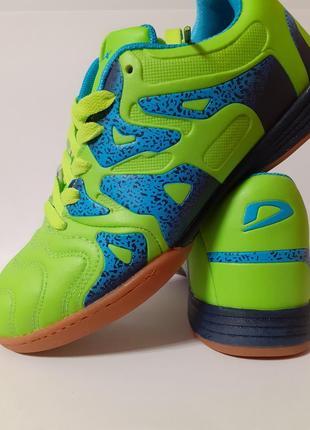 Новые футзалки demax, спортивная обувь
