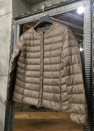 Тёплая бежевая ультратонкая куртка на пуху uniqlo
