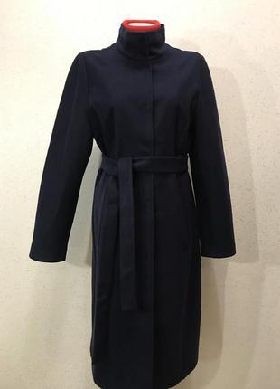 Изумительное шерстяное пальто темно- синего цвета