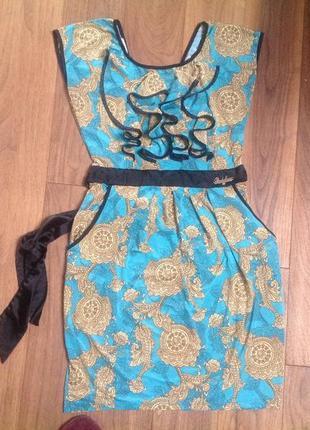 Красивое платье трикотаж.