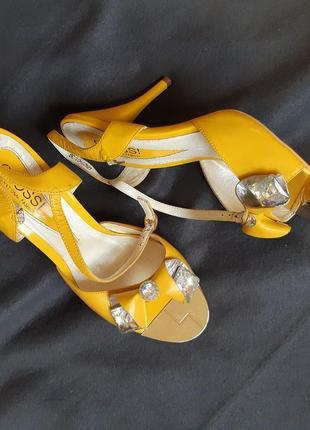 Туфлі шкіряні glossi
