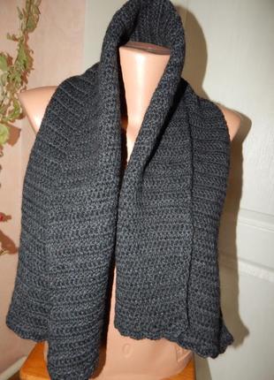 Вязанный крючком шерстяной шарф