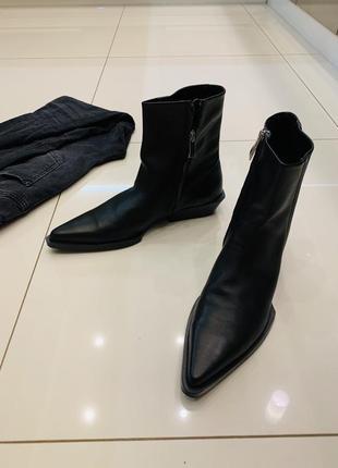 Ботинки полуботинки казаки черные кожаные зара zara