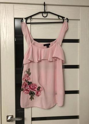 Блуза с вышивкой.