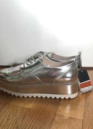 Серебристые лоферы/туфли zara