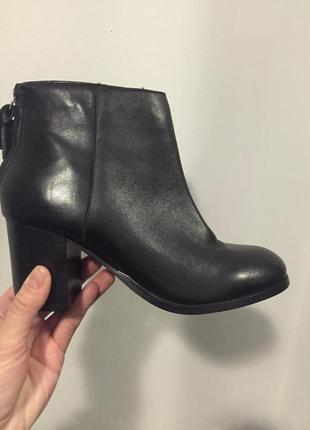 Ботинки на каблуке кожаные h&m