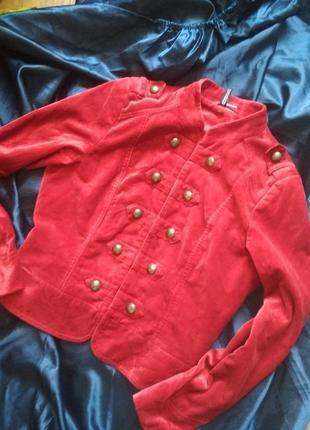 Бархатный велюровый красный  жакет пиджак