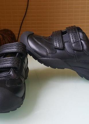 Детские кожаные спортивные туфли -кроссовки m&s оригинал