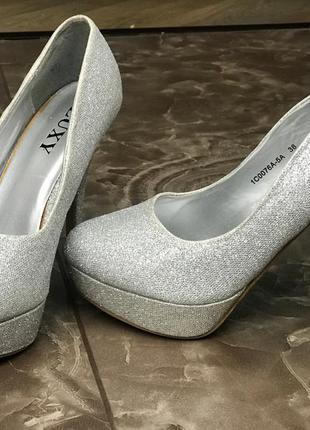 Туфли серебряные тренд luxy, на шпильке с платформой, туфлі на шпильці