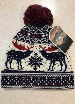 Огромный выбор красивых шапок и шарфов.1 фото