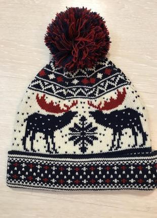 Огромный выбор красивых шапок и шарфов.2 фото