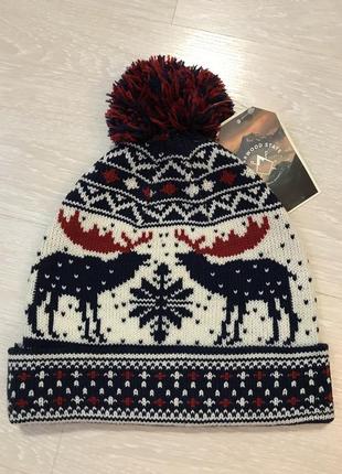 Огромный выбор красивых шапок и шарфов.7 фото
