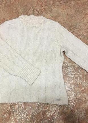 Молочный тёплый свитер