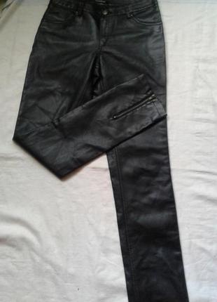 Суперовые кожаные брюки m