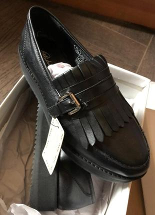Осенние кожаные туфли на платформе