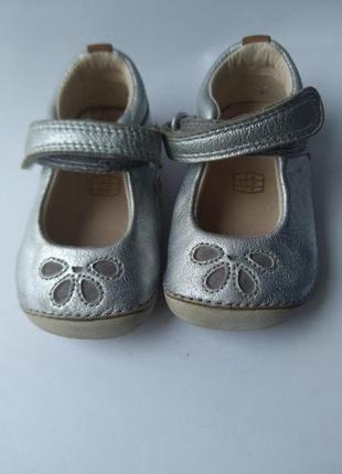 Туфли кожаные на девочку 18 размер clarks