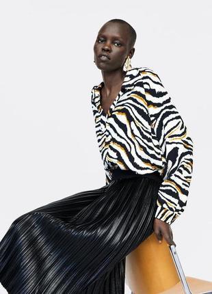 Шикарная плиссированная юбка из искуственной кожи