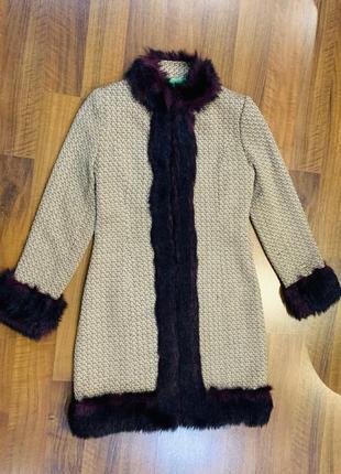 Пальто с эко мехом