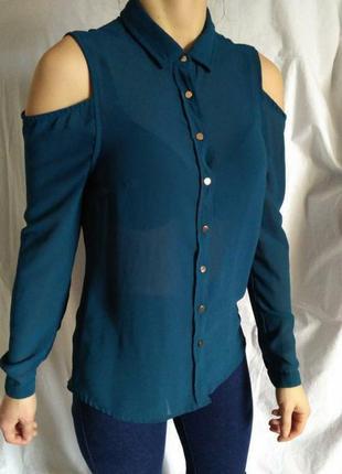 Крутая шифоновая блуза с открытыми плечами