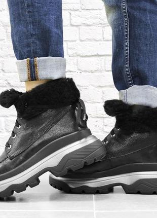 Зимние кожаные ботинки с отворотом. черные.