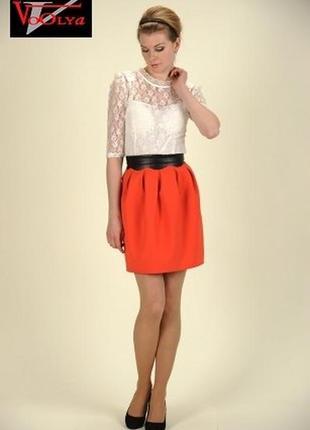 Женская юбка кораллово-красного цвета с контрастным поясом и молнией сзади anazel