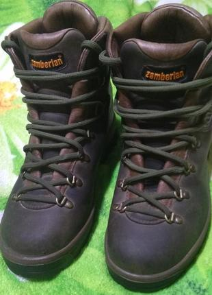 Трекинговие ботинки zamberlan