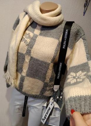 Стильный брэндовый теплый свитер джемпер пуловер с шарфом из натуральной шерсти