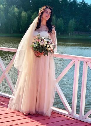 Шикарна весільна сукня в стилі бохо!