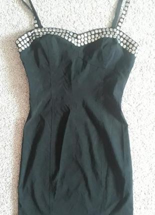 Маленьке чорне платтячко h&m