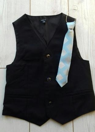 Школьная жилетка с галстуком