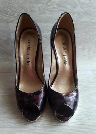 Кожаные нарядные туфли / кожаные туфли с золотом moda in pelle / 1+1=3