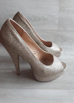 Золотые туфли / 1+1=3