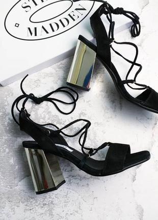 Steve madden оригинал черные босоножки на золотом каблуке