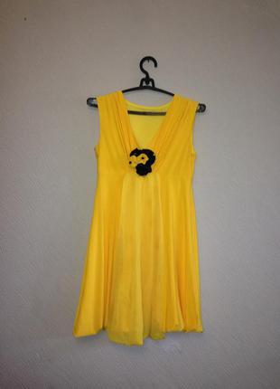 Платье вечернее нарядное желтое