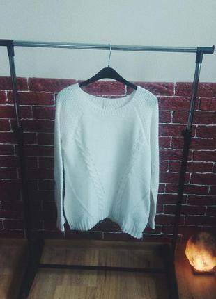 Белоснежный свитерок stradivarius