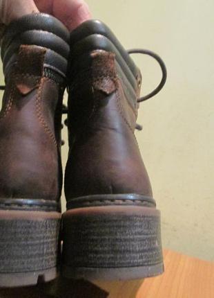 Крепкие ботинки  lasocki р.37.натур.нубук.оригинал.сток2 фото