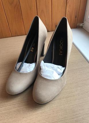 Туфли из натуральной замши. новые. 39 размер.