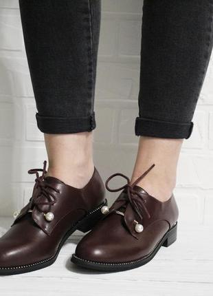 Женские туфли на шнуровках в бордовом цвете. материал - эко-кожа.6 фото